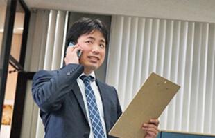 先輩社員の中嶋さんの写真